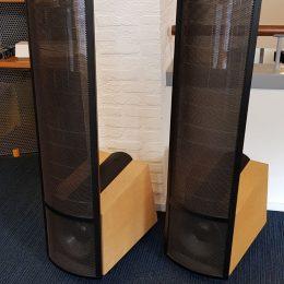 Martin Logan Summit X electrostatische luidsprekers.